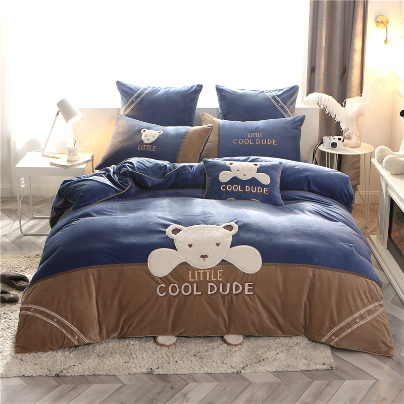 New Fleece fabric Bedding Set luxury queen king size bed set Bedsheets linen embroidery bear Duvet cover set cartoon bed setNew Fleece fabric Bedding Set luxury queen king size bed set Bedsheets linen embroidery bear Duvet cover set cartoon bed set