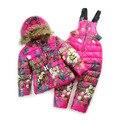 Rusia invierno traje de esquí para niños niñas niños nieve desgaste de los niños trajes de nieve Mariposa floral de down chaqueta de esquí + pantalones fijados