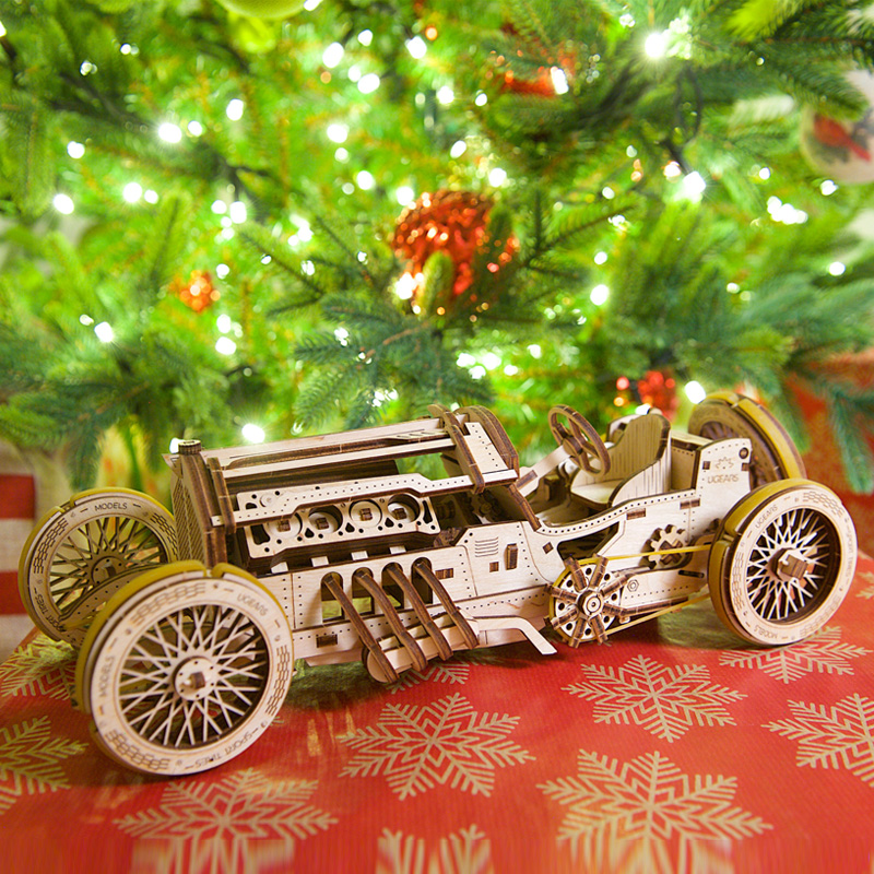 Ugears Wooden Mechanical Transmission Model U9 Green Racing Vintage Car High Difficulty Assemble  Toys
