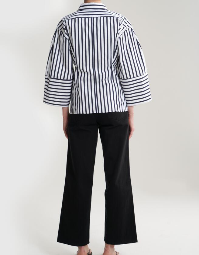 Bibione 구조화 된 모양의 셔츠 스트라이프 버튼 업 칼라 둥근 와이드 슬리브는 허리를 기쁘게하고-에서블라우스 & 셔츠부터 여성 의류 의  그룹 3