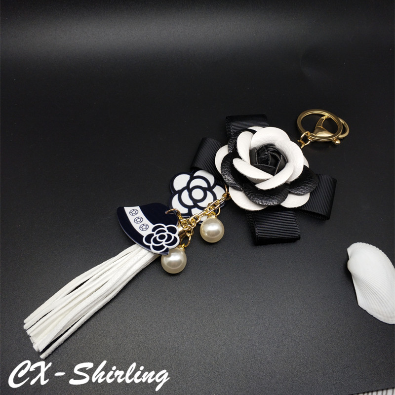 Genuine Leather Black&White Camellia Male&Female Keychain Bag Plush Car Key Ring Car Key Flower Hat Tassel cc Style Key Chain creative car model style led white flashlight keychain w sound red black