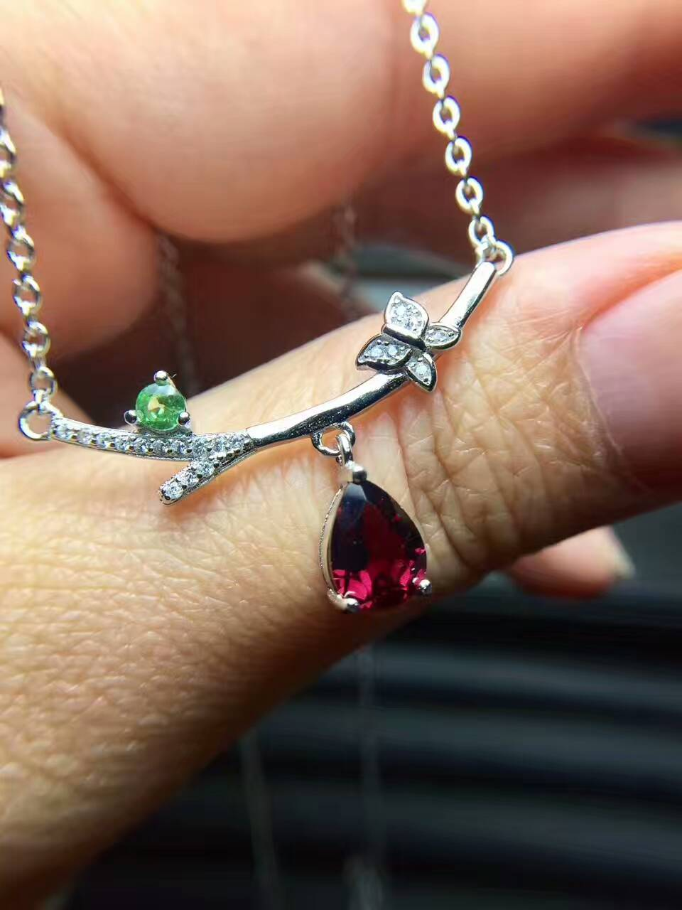 Natural red garnet gem Necklace natural gemstone Pendant Necklace S925 silver trendy lovely flowers Branches women party Jewelry trendy faux gem oval necklace for women