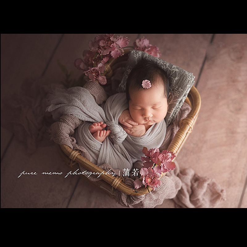 New Baby Photography Prop Vintage Woven Rattan Baby Picture Shot Container Frame Shooting Studio Props