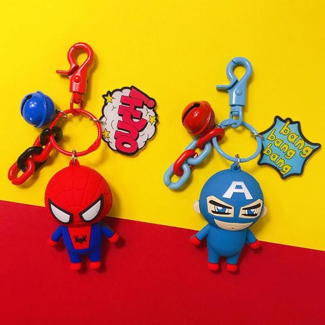 1 Pc new Hot venda Superheros Spiderman Capitão América bat Pequeno sino Keychain bag Pingente menino legal do presente Brinquedos figura