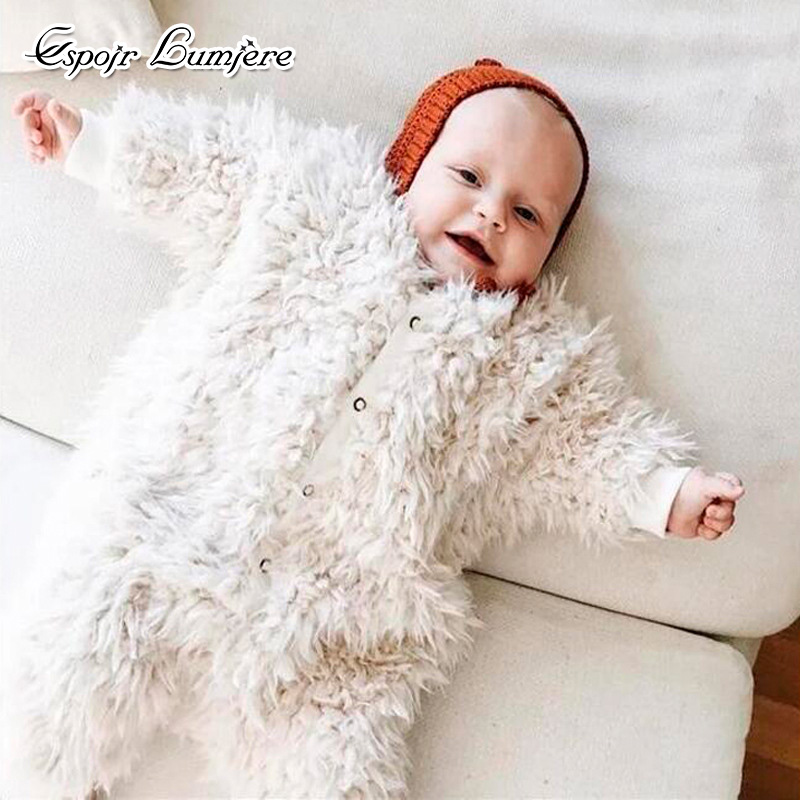 цена Espoir Lumiere 2017 Newborn Baby Winter Rompers Thick Warm Costume Coral Flannel Long Sleeves Baby Jumpsuit Infant Clothing онлайн в 2017 году