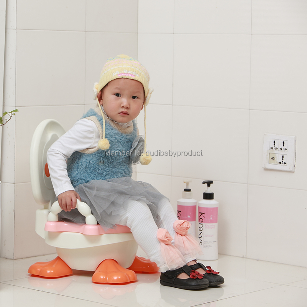 kawaii baby travel potty training orinal baby plastic toilet seat cute duck comfortable toilet chair