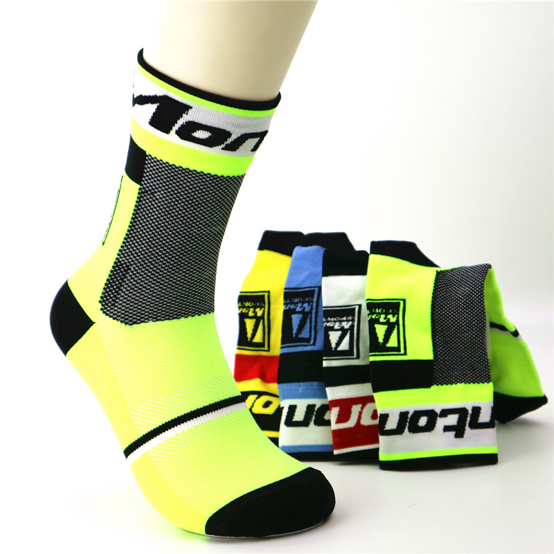 Fashion New Men Outdoor Sport Running Socks Breathable Basketball Cycling Bicycle SocksFashion New Men Outdoor Sport Running Socks Breathable Basketball Cycling Bicycle Socks