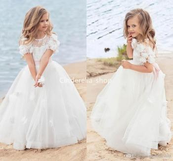Lovely Princess Flower Girls Dresses For Beach Wedding Short Sleeves 3D Floral Appliques Lace First Holy Communion Dresses