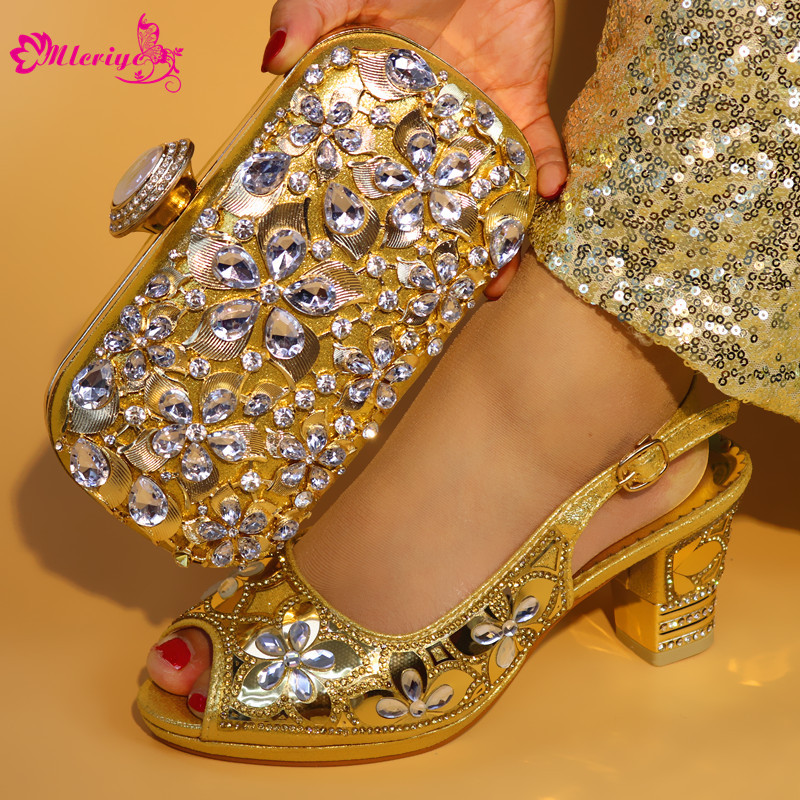 5683-5 Italian Shoes with Matching Bags African Women Italian Shoes and Bag Set Nigerian Women Wedding Shoes and Bag Sets