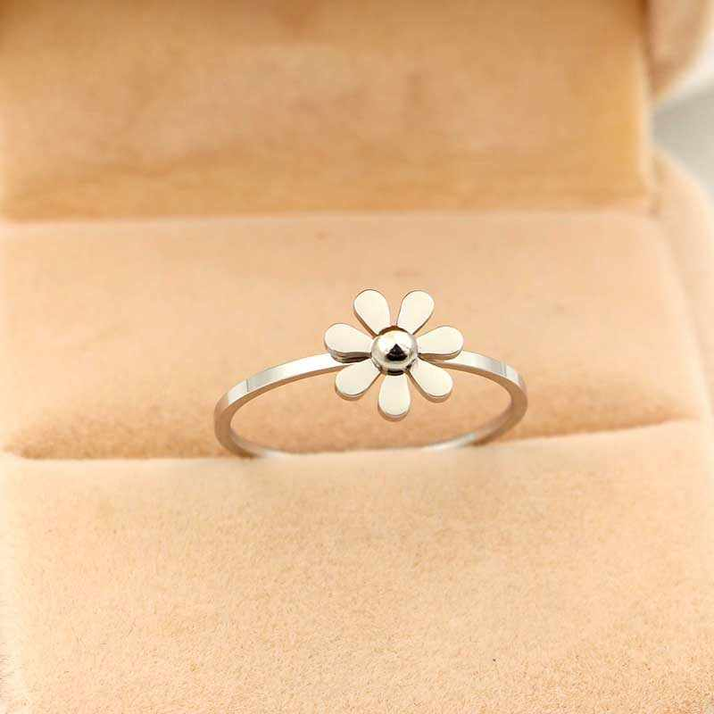 Martick Sweet Style Camellia Design Stainless Steel Rings Beautiful Daisy For Young Lady Present Gift Crystal Jewelry Rings R470