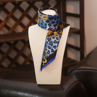 سلسلة عالية الجودة الأزرق ليوبارد الذهب الطباعة الرقمية الحرير الحقيقي وشاح يد مقبض الزخرفية الحرير الطبيعي وشاح حساسة