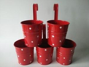 Image 2 - 10 개/몫 교수형 정원 양동이 d9.5xh17cm 주석 상자 철 냄비 발코니 꽃 냄비 금속 화분 도트 디자인 컬러