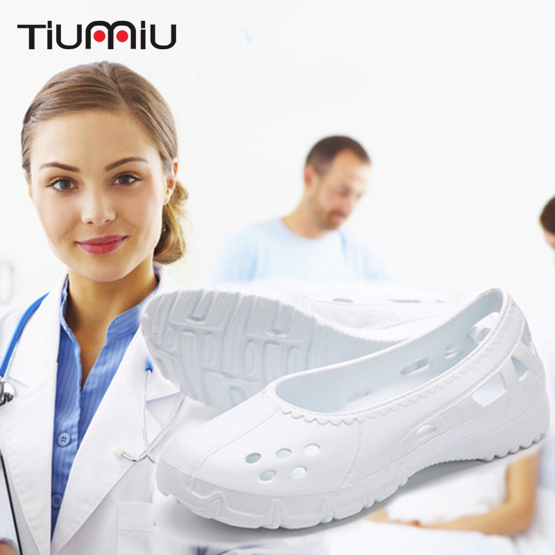 Supply 2019 New Hollow Medical Shoes Women's Shoes Doctor Nurse Surgical Shoes Dental Hospital Lab Shoes Anti-static Autoclavable Clogs Packing Of Nominated Brand