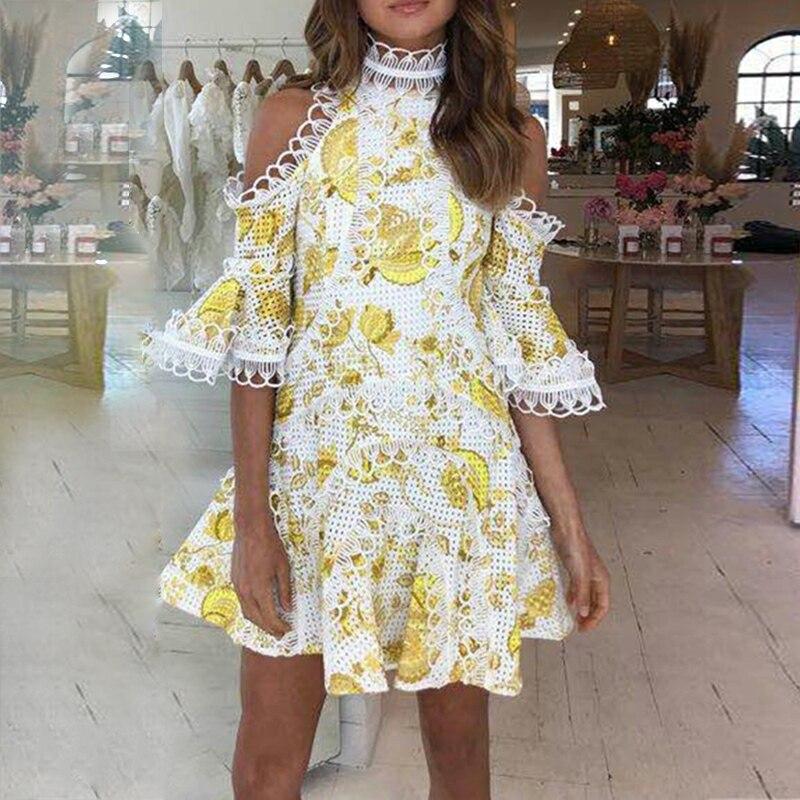 2019 nowy przyjeżdża żółta sukienka koronkowa flare rękaw kobiet sukienka na imprezę wysokiej jakości w Suknie od Odzież damska na  Grupa 1