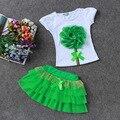 Moda 2016 Set Bebê 3-8 anos de Bebê meninas terno ajustado do Algodão flores T-shirt + saia Tutu 2 peças set roupa dos miúdos livre grátis