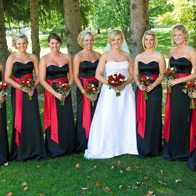 2017 Off The Shoulder Sweetheart Long Black Bridesmaid Dresses With Red Sashes Custom Wedding Party Dress