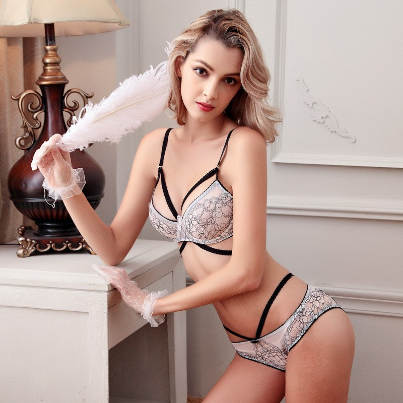 New Transparent Bra Lace Floral Embroidery Underwear Set Sexy Ultra thin Gather Strap Bra Panties Variety Wearing Lingerie Set