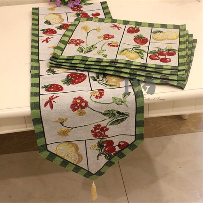 Attractive 2PCS/lot British Rural Llife Tapestry Wedding Bed Table Runner Table Cloth  Dining Mat Coasters