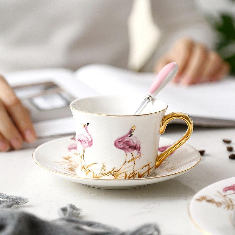 Haute qualité os chine rose oiseau tasse à café et soucoupe ensembles avec cuillère en or grande capacité après-midi thé noir tasse à thé