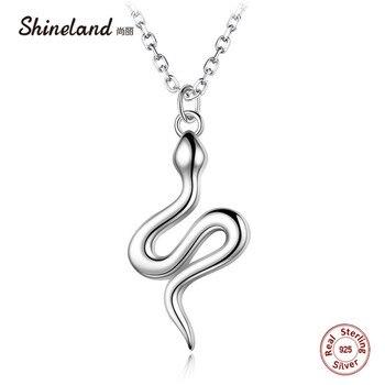 32ea48cab8c4 Shineland 2018 declaración Animal serpiente forma colgantes reales de Plata  de Ley 925 collar de plata para las mujeres de los hombres de moda fiesta  regalo ...