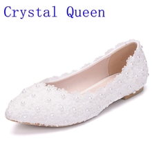 Crystal Queen White Lace Pearls Women Wedding Shoes Flat Heel Casual Shoes Ladies Party Dress Shoes Pointed Toes Size 42