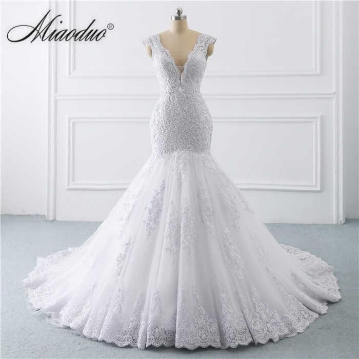 vestido de noiva sereia branco 2019 abiti da sposa Illusion Button Back Lace  Applique Pearls Crystal e817262a9da5