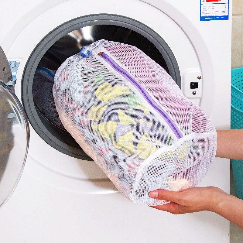 Zaczepić torbę do prania