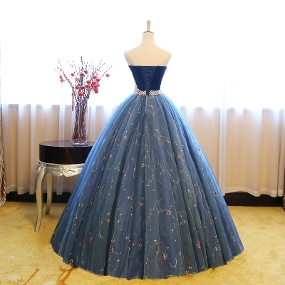 luxury carnival venice lace gown embroidery beading waist  cosplay medieval dress Renaissance gown queen Victoria Belle Ball