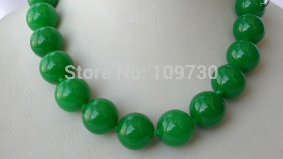 Jewelr stunning big 18mm round green natural gem beads necklace
