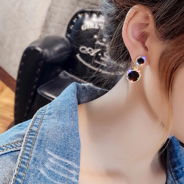 2019 new trend temperament long shiny jewelry Crystal from Swarovski 925 silver needle black round earrings Fit Women and female 1