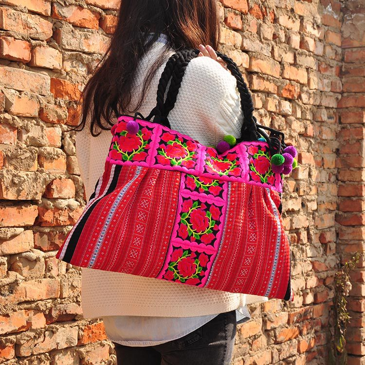 Ethnic embroidery bag lady personality Chinese national style embroidered shoulder bag lady wool balls travel shopping handbag