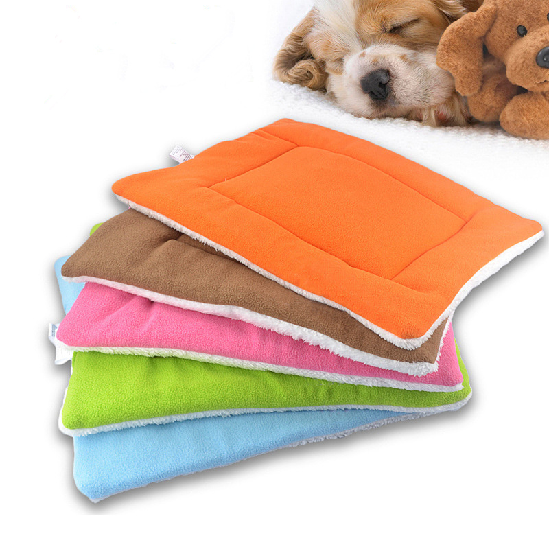 2017 Christmas Solid Colorful Pet Mat Dog Bed Kennel Mat S/M/L Size for Puppy Cat Dog Bed Cushion Winter Pet Decoration Supplies