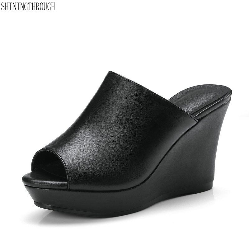 Nuove zeppe tacchi alti della piattaforma delle donne pantofola in pelle di mucca sandali delle donne nero bianco delle signore del partito scarpe da donna di grandi dimensioni 41Nuove zeppe tacchi alti della piattaforma delle donne pantofola in pelle di mucca sandali delle donne nero bianco delle signore del partito scarpe da donna di grandi dimensioni 41