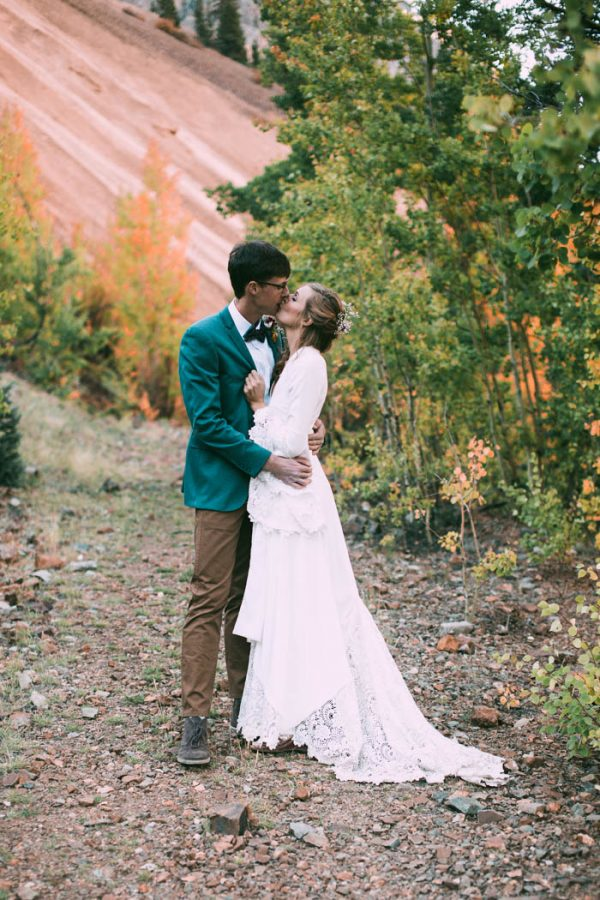 Intimate-Southwest-Colorado-Wedding-in-the-Mountains-Lauren-Parker-Photography-37-600x900