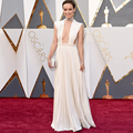 Oscars 2017 Red Carpet Dresses Sexy Plunging Neckline Pleated A-line White Formal Evening Gown Abendkleider Robe De Soiree