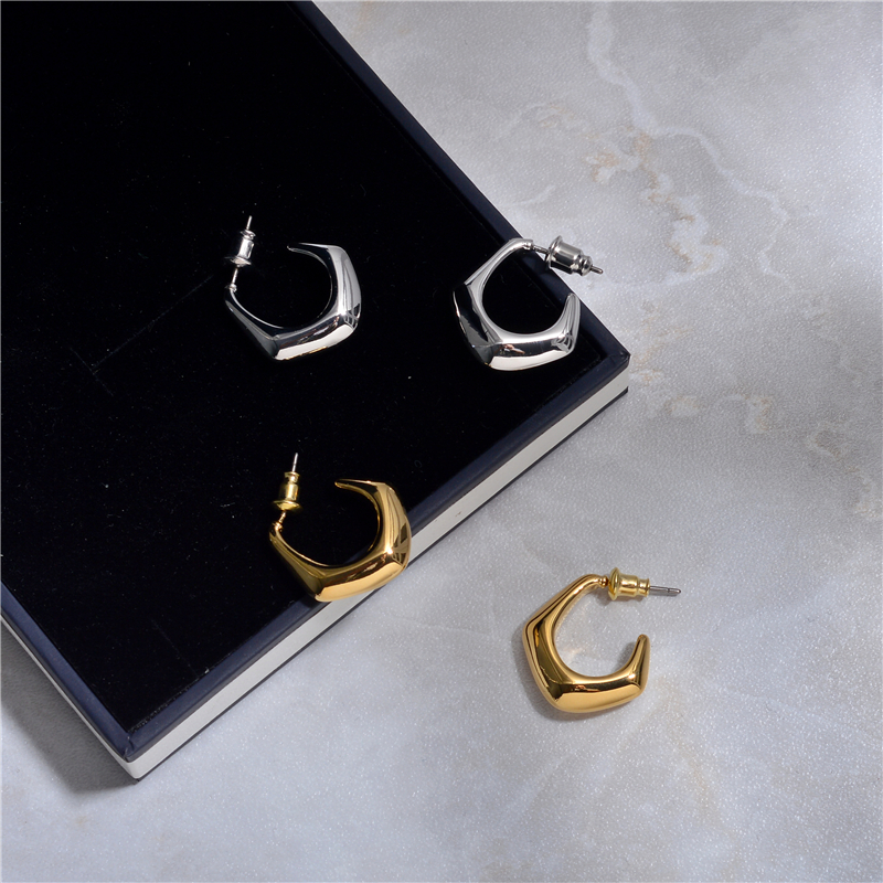 European and American minority design new fashion simple water drop earrings female net red metal cold temperament