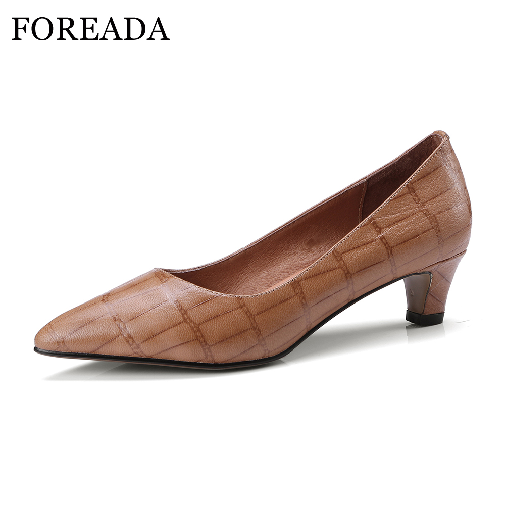 FOREADA Shoes Pumps 2018 Genuine Leather Women Med Heels Shoes Plaid Slip On Pumps Pointed Toe Spring Shoes Casual Size 33-40 2018 superstar genuine leather streetwear med heels tassel slip on women pumps round toe retro sweet handmade casual shoes l03
