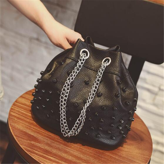Women Messenger Bags 2017 New Summer Bucket Bag Korean Rivet Bags Women's Leather Handbags Chains Bag Ladies Tote