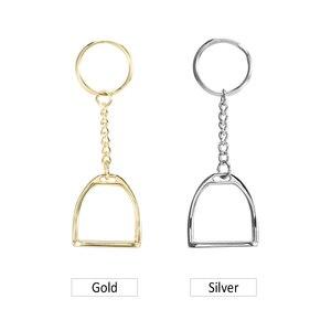Image 5 - Zink Legierung Schlüssel Kette Steigbügel Schlüssel Ring Mini Keychain für Männer Frauen Camping Ausrüstung Multi Werkzeug Schleuder für Die Jagd
