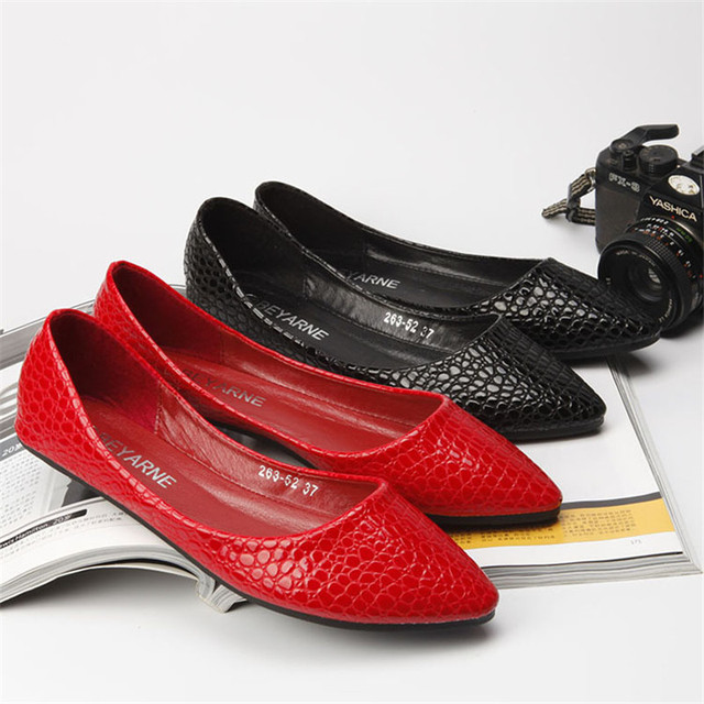 Ballets flats women shoes Japanned leather embossed serpentine pattern flat boat shoes flats ladle shoes plus size 42 43