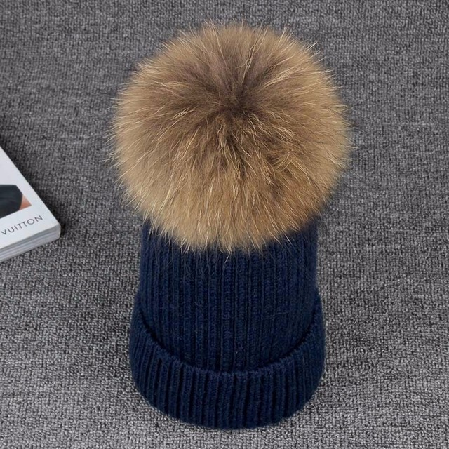 Raccoon Fur Hats 100% Real 15cm Fur Pompom Beanies 2016 New Fashion Winter Cap Natural Fur Hat For Women Girl's Skullies Caps