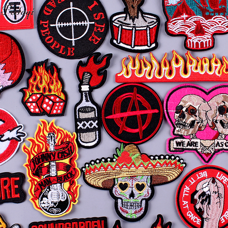 Pulaqi Skull Rock Bands Patches for Clothing DIY Stripe Embroidered Iron on On Clothes Metal Music Badges For Backpacks