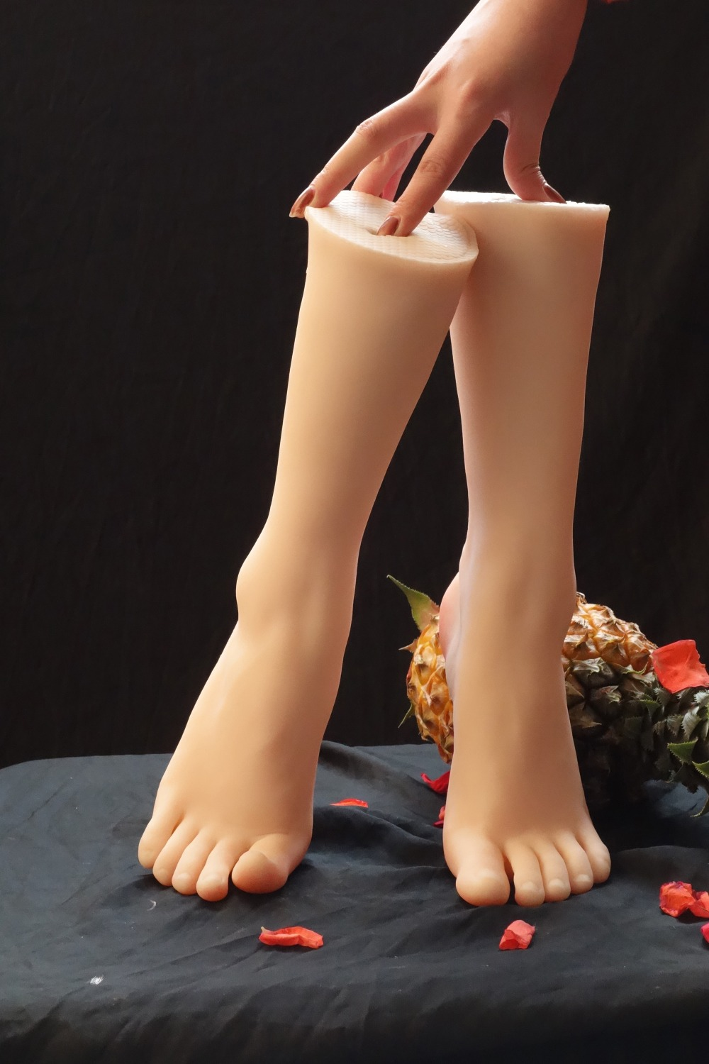 New Sexy Female Real Silicone Legs Sex Torsos Dolls Foot Fetish Toys Feet Whitening Skin lover Feet model Free Shipping