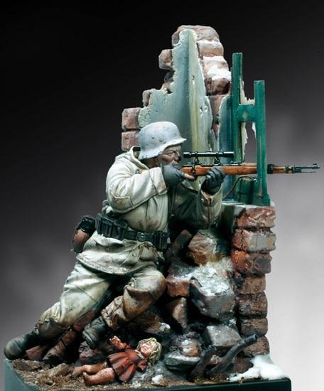 Alman snayperi 90 mm