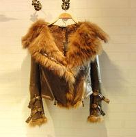 2017 на осень зиму новые женские модели Snake искусственная кожа Куртки пальто натуральным лисьим мехом С Капюшоном Черная Куртка Верхняя одежд