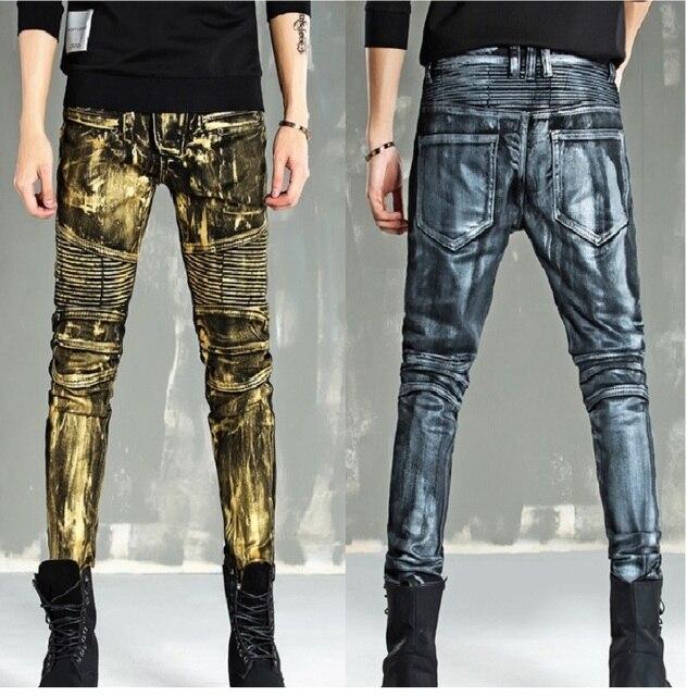 adf0bc9fc4fb5 Herren Plissee Biker Jeans mit Reißverschlüsse Gold Malerei Beschichtete  Hosen Männlichen Dünne Gerade Motorrad Denim Biker Jeans Männer Plus ...