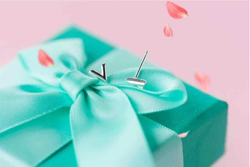 Moda Pendientes con pasador en forma de letra para las mujeres joyería para fiesta y boda regalo Pendientes de botón Pendientes EH881