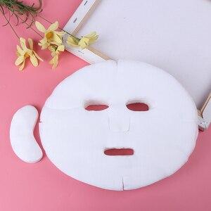 Image 1 - 100pcs חד פעמי פנים מסכת DIY רך שאינו רעיל טהור Facemask גיליון יופי כלים לנשימה כותנה פנים מסכת גיליון נייר