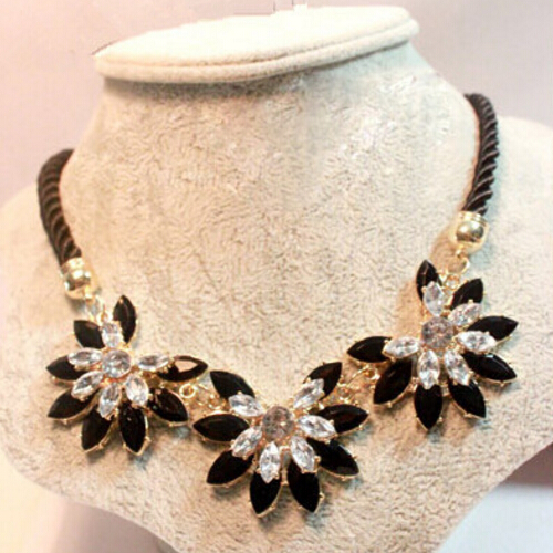MINHIN Brilliant Weave Flower Decoration Choker Necklace For Women Hot Sale Rhinestone Wedding Jewelry Rope Necklace Collares