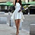 Blanco Una Línea de Raso Vestidos de Coctel 2017 de la Cucharada Sin Mangas Hi-lo Prom Vestidos Mini Vestidos de Fiesta Más El Tamaño Por Encargo